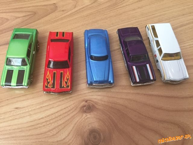 Autíčka Hot Wheels 5ks